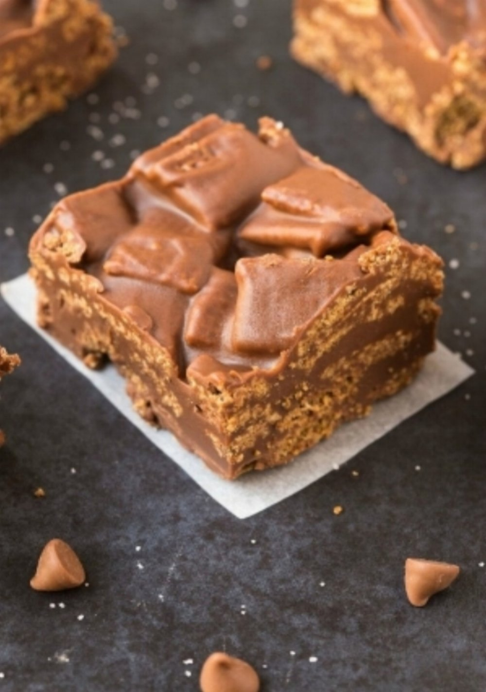Healthy No Bake Peanut Butter Kit Kat Crunch Barsusing just one bowl, 5 ingredients and less than 2 minutes! This quick and easy snack or dessert is naturally gluten free, vegan, dairy free,  and can be made sugar free!