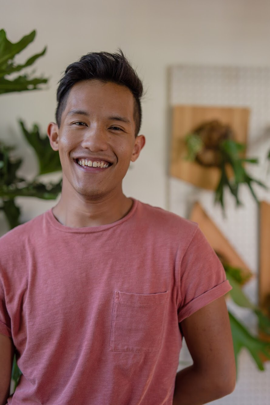 AJ Arellano - AJ Arellano is a plant-loving artist and designer from Greenville, South Carolina. He makes custom plant fixtures and installations for homes and work spaces.Website