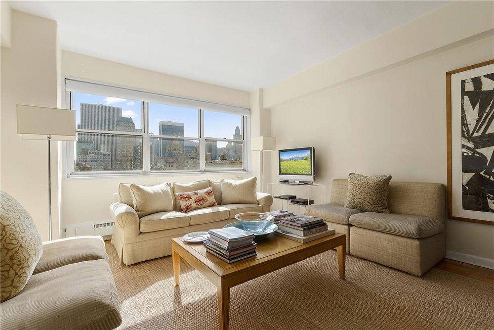 20 East 68th Street, Apt 16D | Represented Buyer | $1,300,000