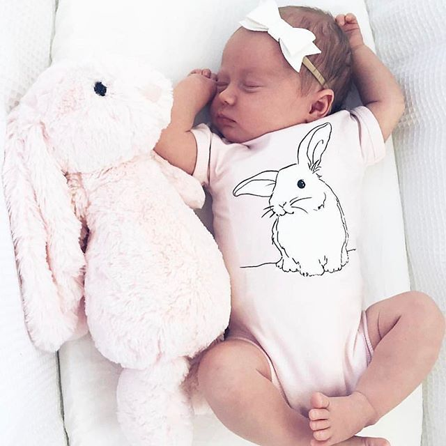 """Sweetest little snuggle bunny wearing our """"Harlo"""" bow is wildflower Harlow 🌸Repost @bonnie_and_harlo"""