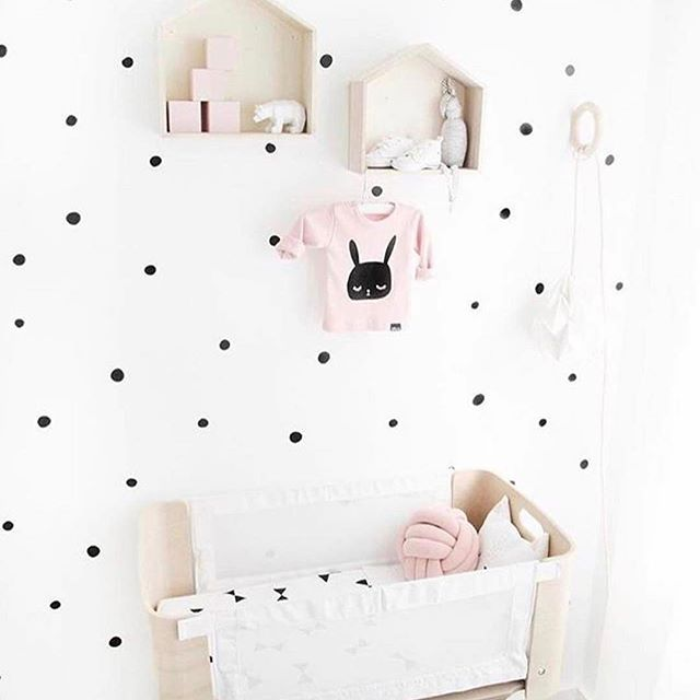 Such a great eye for detail @thelittleraspberry🙌🏻 Pale pink + black = 👌🏻 We'll be stocking black dotty removeable wall stickers once the site is launched 🖤 DM me to get on the preorder list! Gorg pic @vanpauline