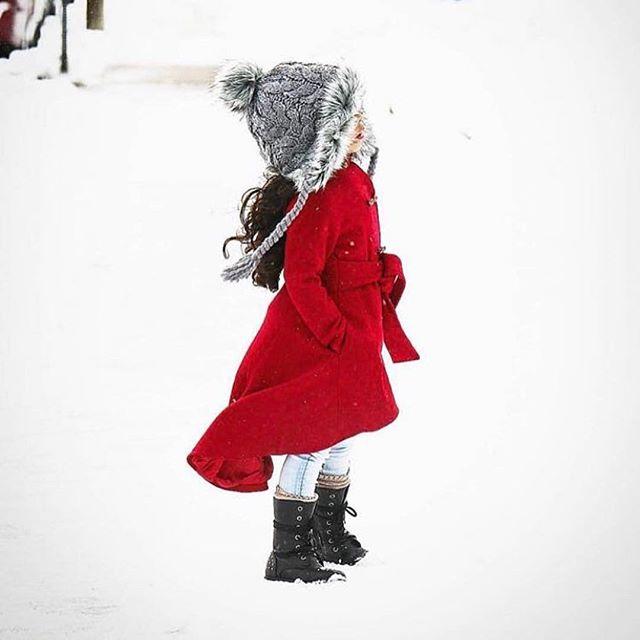 Baby it's cold outside. ❄️@bubs_with_style  What waking up this morning felt like ❄️❄️#winter #yeezy #selenagomez #streetwear #kyliejenner #kardashians #timberlands #red #gigi #kendalljenner #kendoll #barbie #baby #babygirl #bubswithstyle #instagood #like4like #like #followforfollow #denim #pink #snow #kimkardashian #trendykids #kidsfashion #instakids