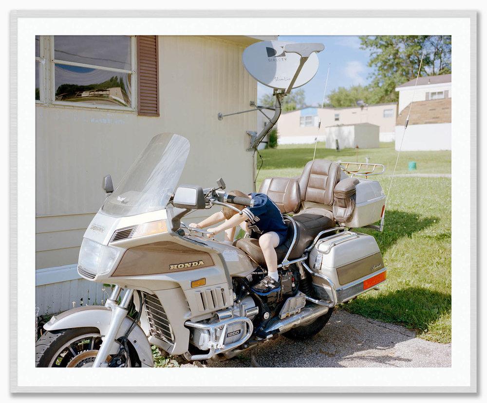 JohnonDavidsMotorcycle_Mat_FrostedSilver.jpg