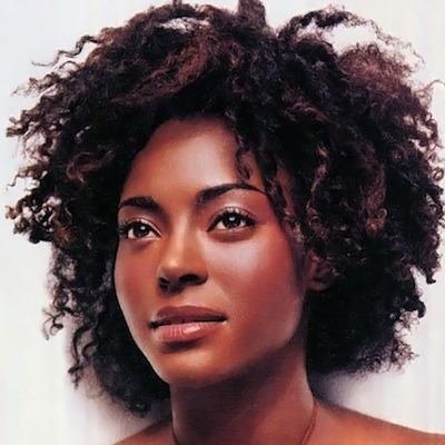 Keisha Omilana - Model & Entreprenuer