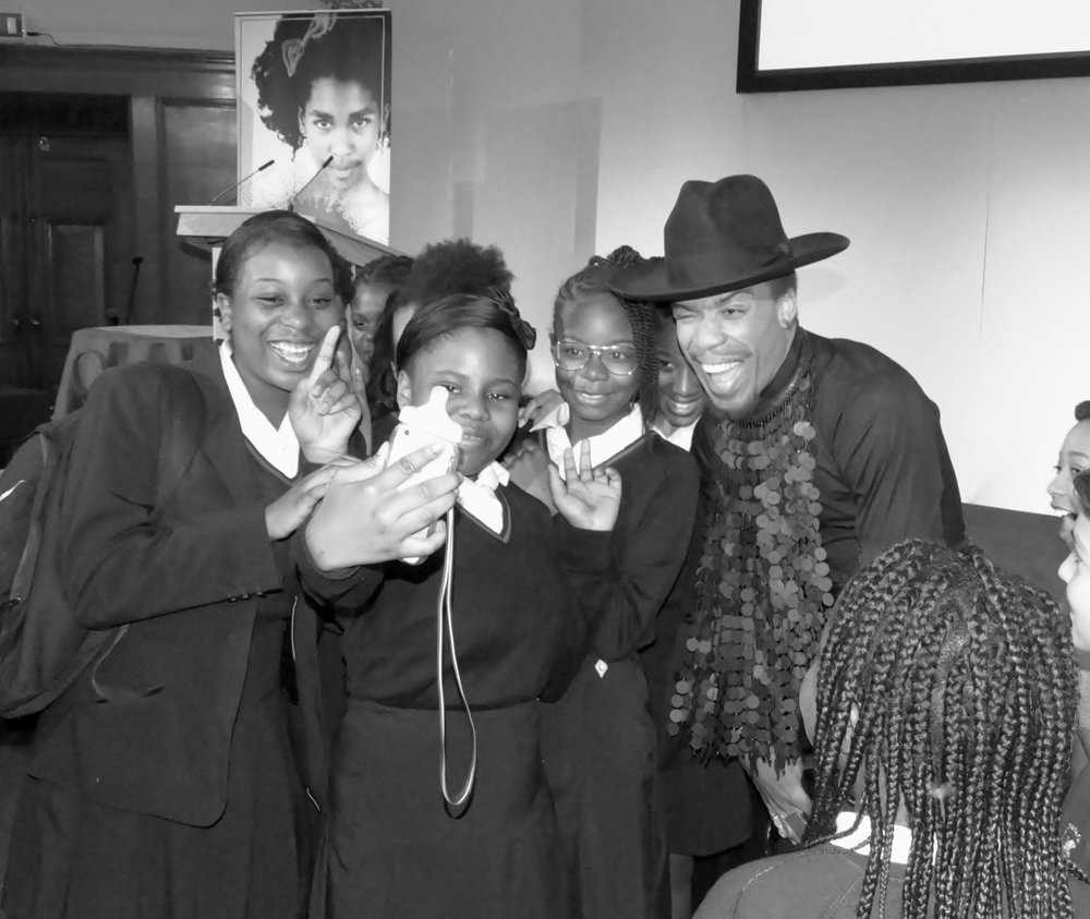 Celebrity Stylist Vernon Francois with students