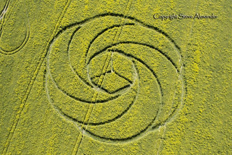crop circle montée d energie tellurique