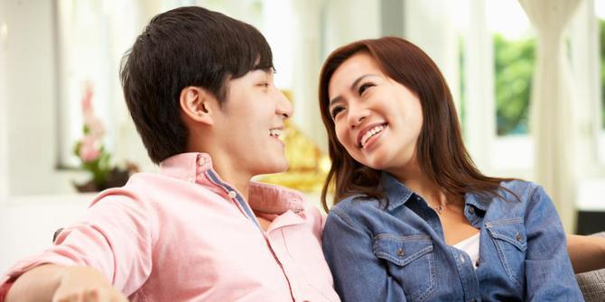 6-kebiasaan-mesra-suami-istri-yang-harus-dipertahankan.jpg