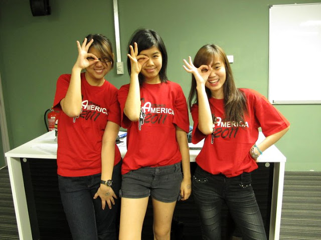 Anna Tan (Middle)