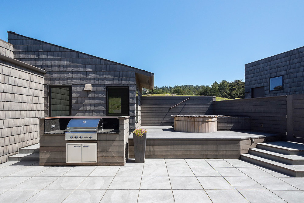 Courtyard with Built-in BBQ and granite countertop