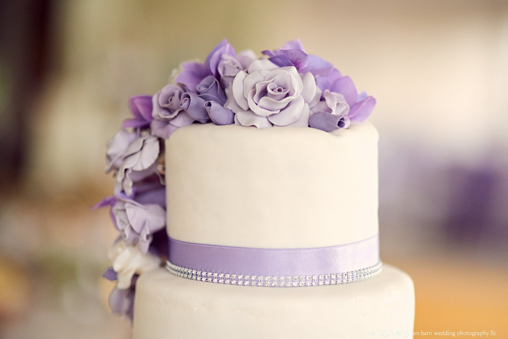 Wedding cake inspiration purple flowers detail wedding photography