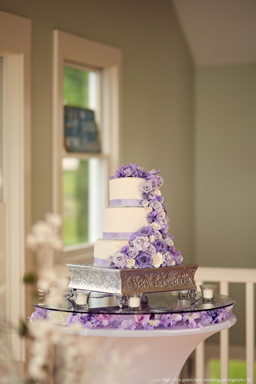 Wedding cake ideas flowers purple display table