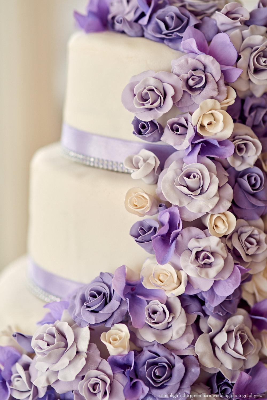 Wedding cake inspo purple colors amazing wedding photographer
