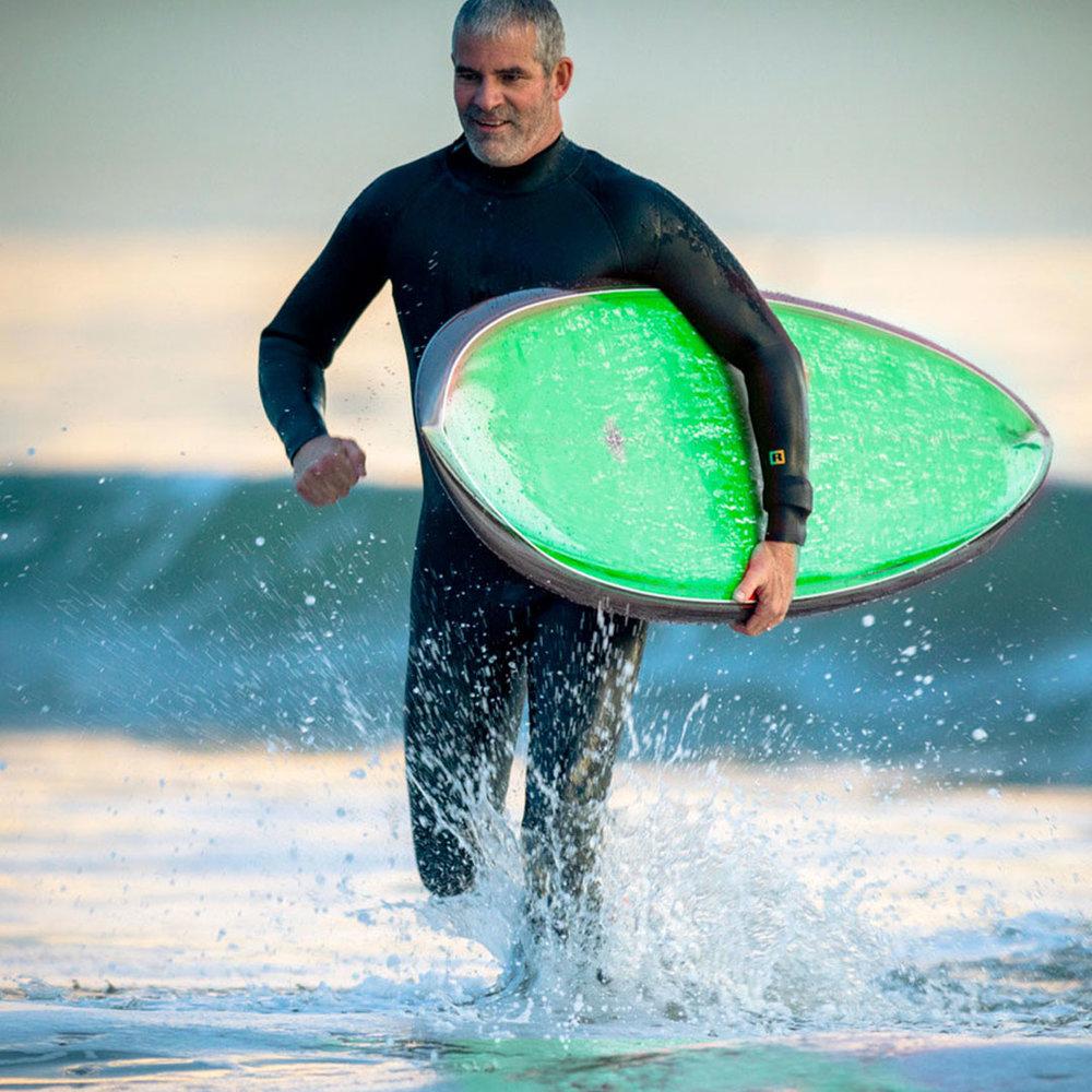 IG_1080x1080_surfing-man.jpg