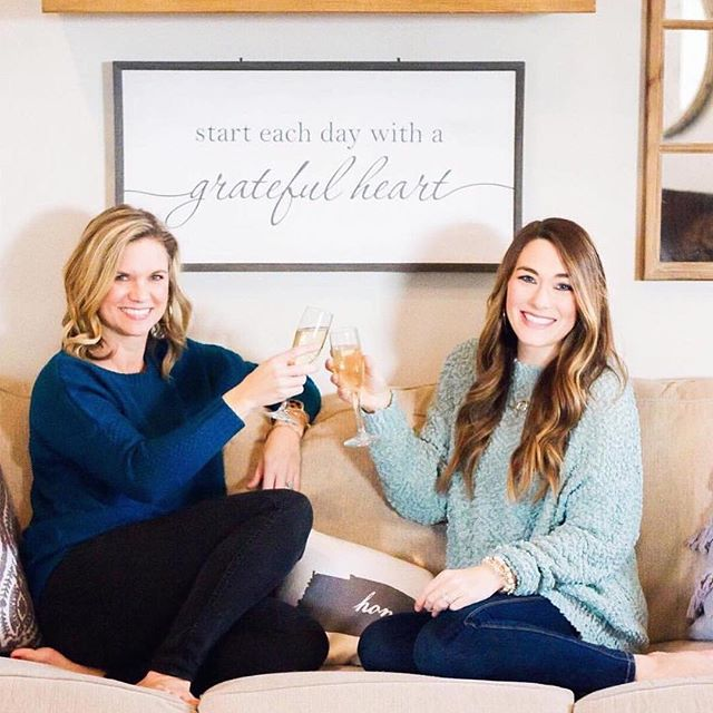 🥂 cheers to @instylewithbritt and her awesome New Year's news. Check out her profile to see her newest collab. . . . . . #nashville #nashvilletn #nashvilleblogger #nashvilleblog #musiccityblog #nashvillefoodie #nashvillefashionblog #musiccity #bloggersofnashville #nashblog #mommyblogger #travelblog #bloggertips #bloggingnewbie #nashvillecreative #nashvillecreatives #foodblogger #nashvillebloggingcollective #bbloggers #fbloggers #styleblog #bloggersunited #blogcommunity #bloglife #blogger #blogtribe #bloggerhelp #bloggerevents #blognashville