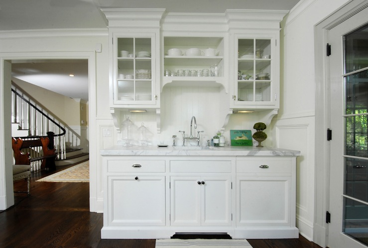 White Kitchen Glass Cabinets Via Decor Pad Muse