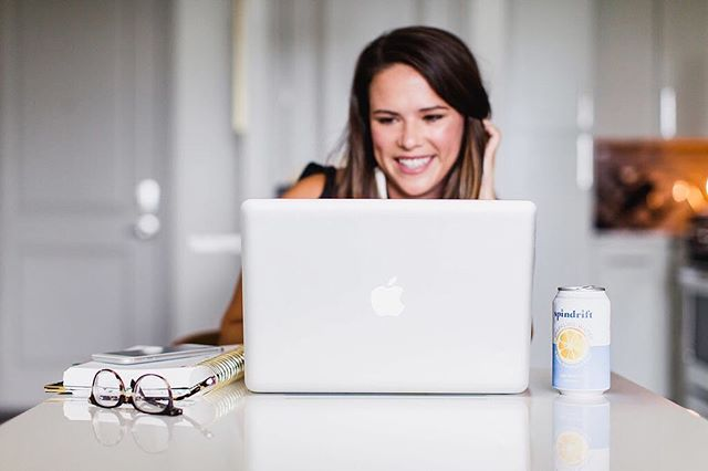 A list of things that make me smile: @spindriftfresh, a strong pair of glasses to save my eyes from never ending screen time, and last but certainly not least, emails from clients who are elated by the content we've created for them 👏🏼 #sparkandgather