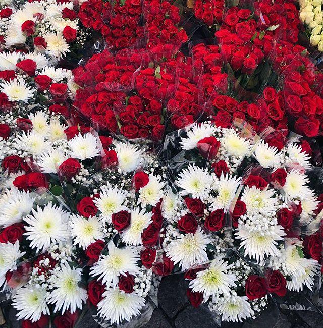 🌸 Glad alla hjärtans dag 🌸 Vi hoppas att alla får en underbar dag! Massor av kramar från oss på @devote_se ❤️💋