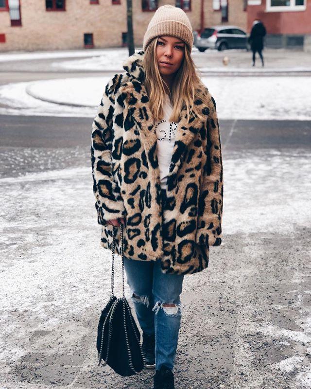 Torsdag innebär som vanligt att en artikel med veckans outfits finns uppe på sajten! En av de är fina @linneahedstrom 😍 se fler av devote-bloggarnas senaste looks 👉🏻 devote.se