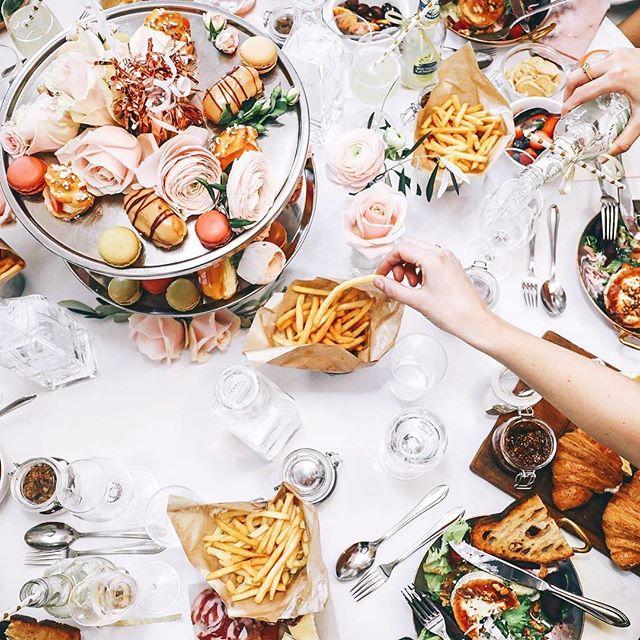 Men alltså kolla in denna magiska lunchen för @lovisabarkman x Bubbleroom 😳💕 Foto: @lisa.hooks 📸