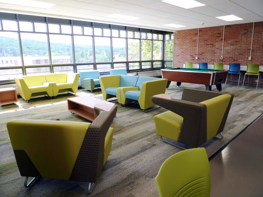 AlfredStateCollege_MyWayLoungeSeating_StriveCafeStools.jpg