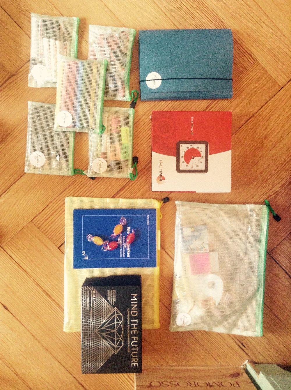 Unverzichtbar: Ausrüstungsgegenstände aus dem Geschichten-Koffer.