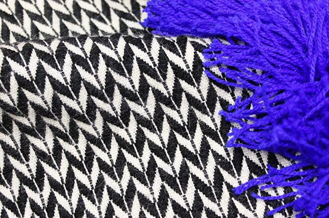 Close up of one of our statement wall hangings 💙 these will be available to buy from our website soon !  #wallhangings #design #textiledesign #fringing #wovenwallhanging #handmade #interiors #colour #colourpop #handweaversofinstagram