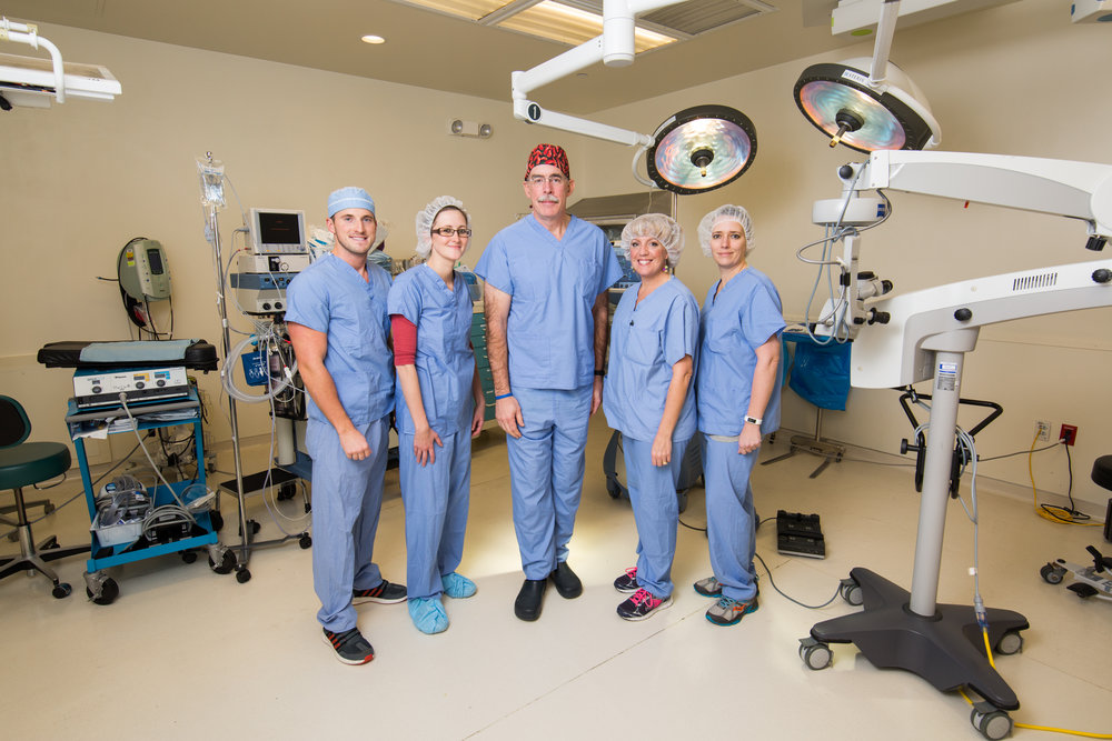 Dr. O'Brien and Staff at the Pine Grove Ambulatory Surgical Center- Courtesy Rob Sigler Photography