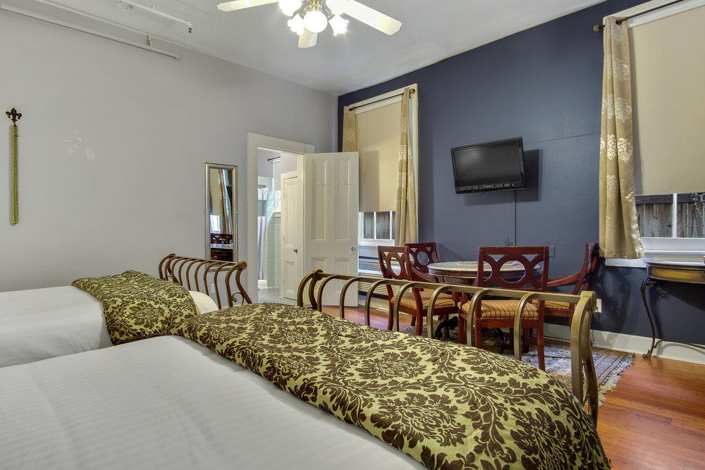 DOUBLE QUEEN  SLEEPS 4 IN COMFORTFROM $139 A NIGHT >    view details