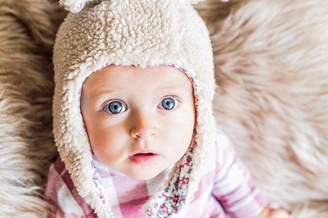 Fotografar crianças ao natural em casa 😍 Porque sempre é mais aconchegante para elas! ▪️▪️▪️▪️▪️▪️▪️▪️▪️▪️▪️▪️▪️▪️ 📸 @lileruiz ▪️ ▪️▪️▪️▪️▪️▪️▪️▪️▪️▪️▪️▪️▪️▪️ ▪️ ▪️ ▪️ #maedemenina #ensaio #bogota #saopaulo #truecolors #gestante #pregnancy #liebe #love #babybump #amormaior #carters #babygirl #maecoruja