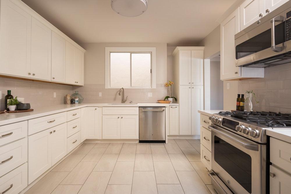 Kitchen_3405.jpg