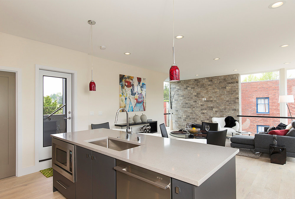14 kitchen 1-1.jpg