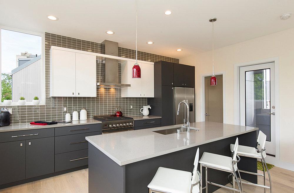 15 kitchen 1-2.jpg