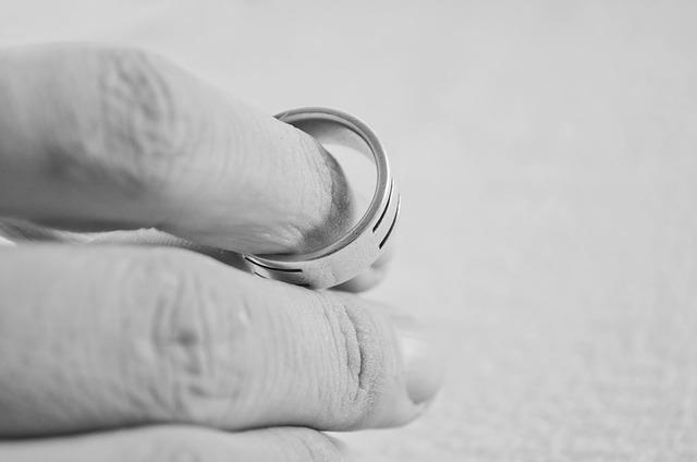 Divorce Ring.jpg
