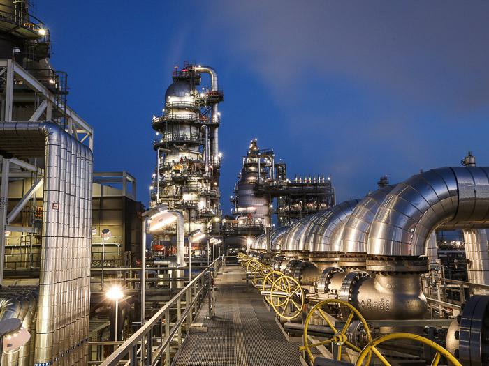 crude-distillation.jpg