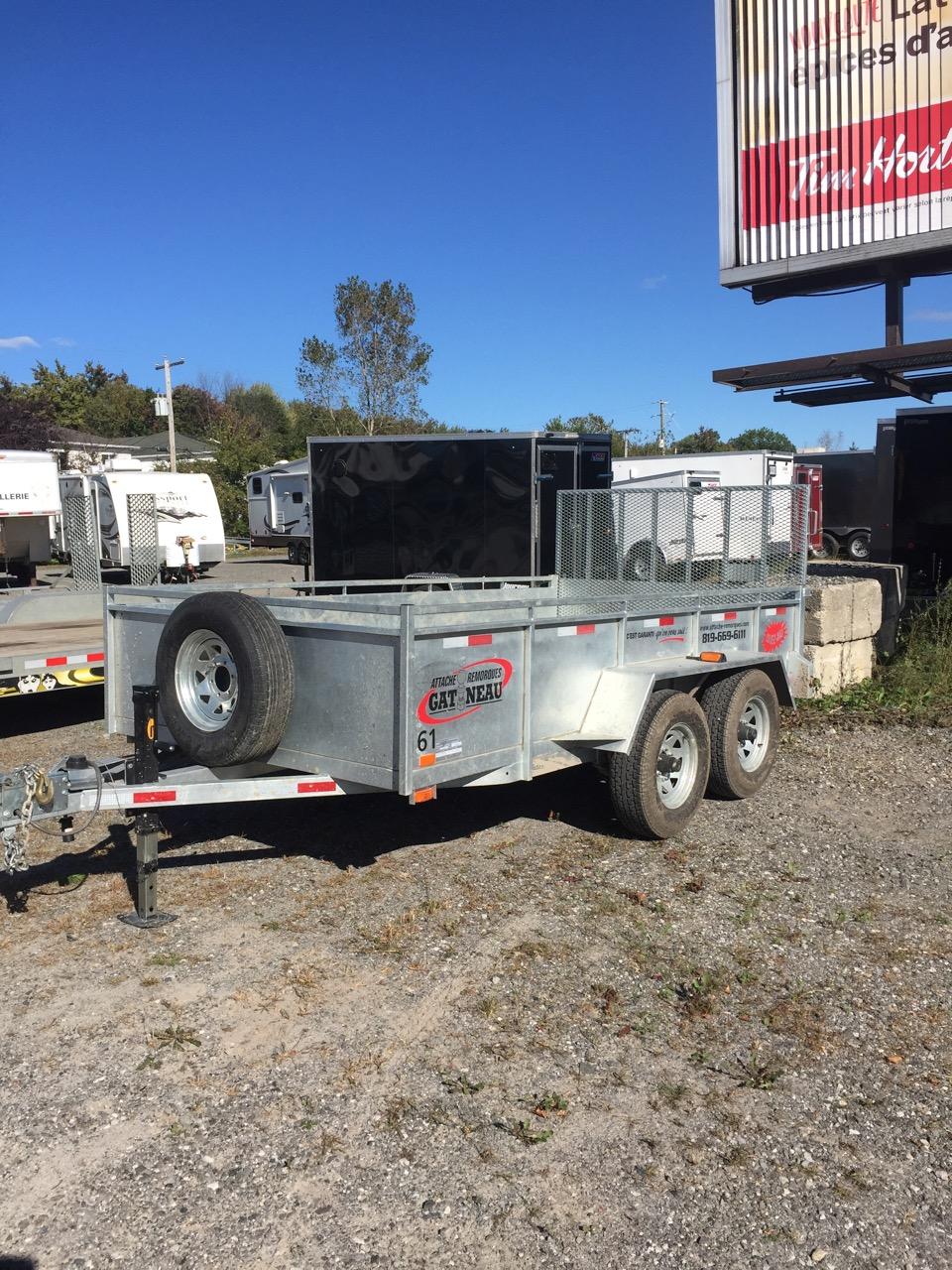 """OUVERTE 6'X12'  Connexion: 4 fils Boule 2 5/16"""" Porte arrière: rampe Freins hydrauliques Capacité de charge: 5 000 lbs  # 161"""