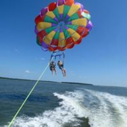 Parasailing with Island Head