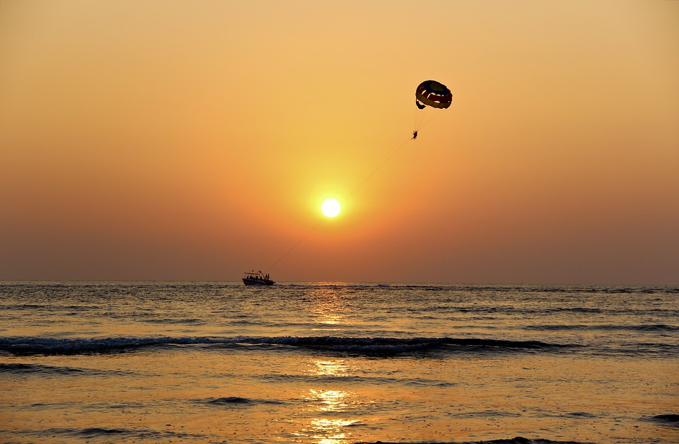 sunset-1283875_960_720.jpg
