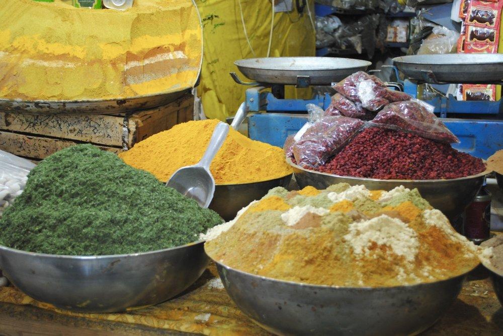 iran-isfahan-bazaar-spices