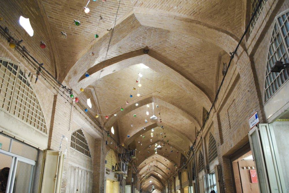 iran-isfahan-bazaar-architecture