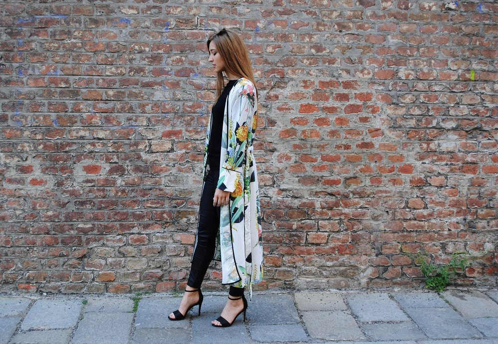 ways-to-wear-kimono-all-black-style