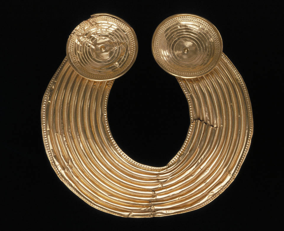 Image Source: V&A Museum. Collar known as The Shannongrove Gorget, maker unknown, late Bronze Age (probably 800-700 BC), Ireland. Museum no. M.35-1948. © Victoria & Albert Museum, London