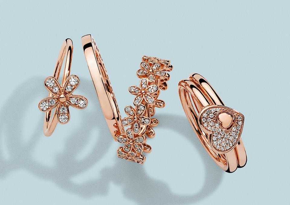 Image Source : Pandora PandoraRose hearts and florals.