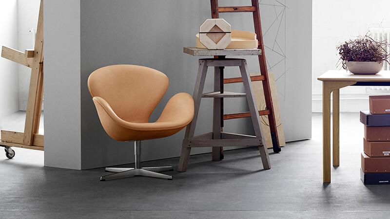 Swan™ by Arne Jacobsen  Image Source :  Fritz Hansen
