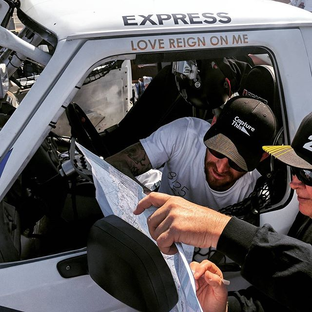 Best of luck to our friend @cooperreynoldsgross as he starts the #baja500 today! 🏁