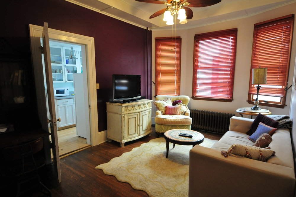 Victorian themed apartment in Saugerties Bohemian Inn