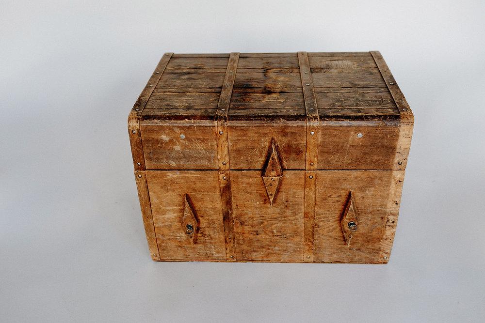 Diamond Wood Trunk