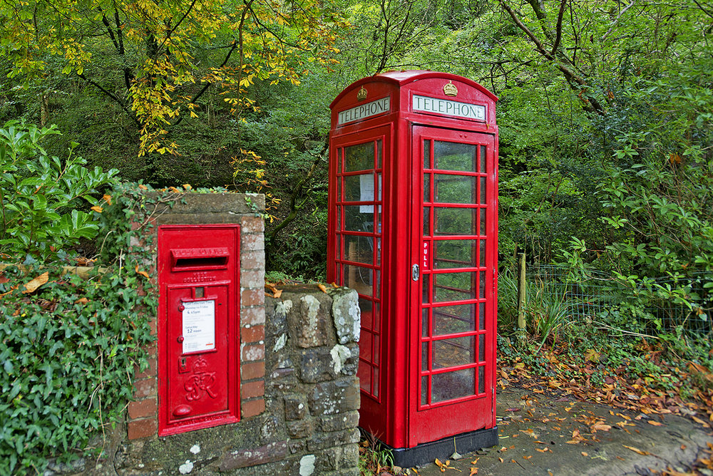 4.   UK Telephone Booth & mailbox.jpg