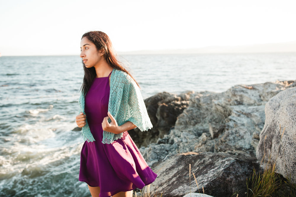 The Seaspray half pi shawl  starts off with the classic garter tab. Here's how to do it.
