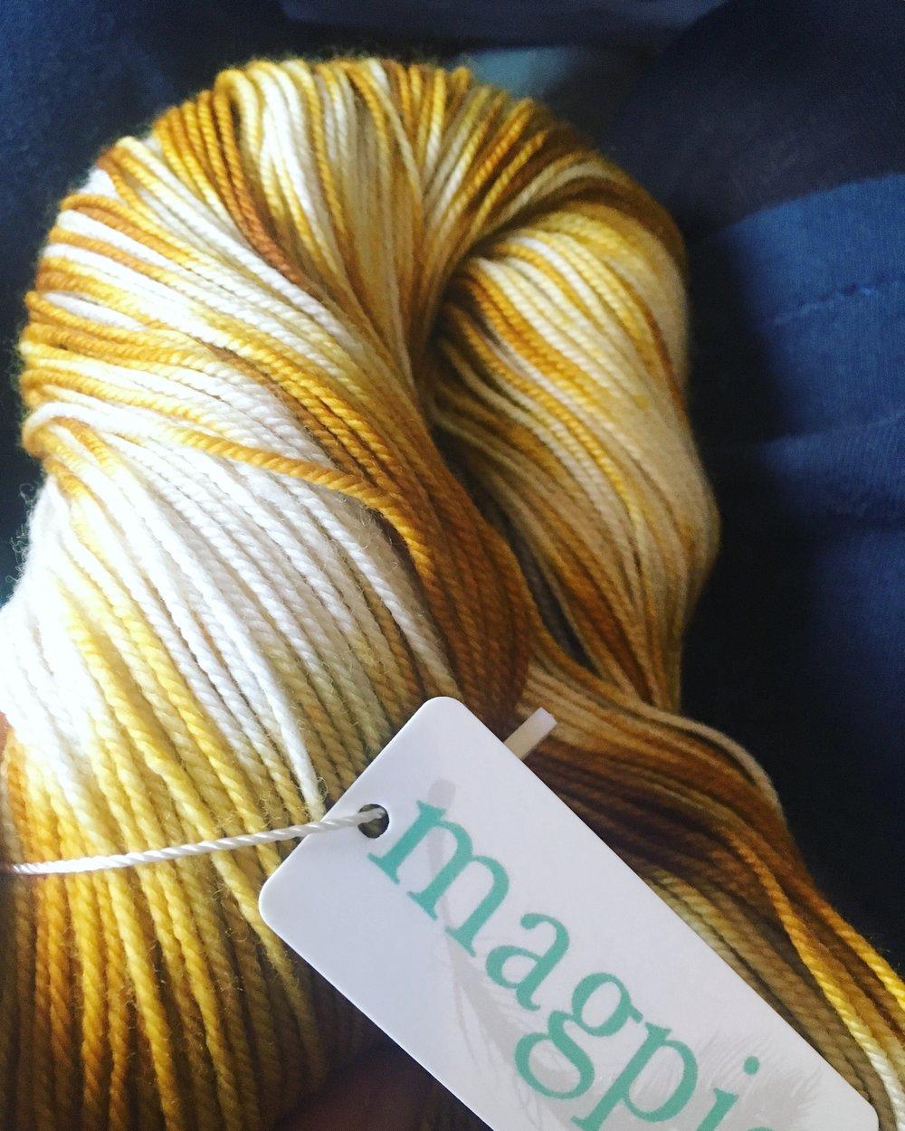 Magpie_Swanky-sock_1.jpg