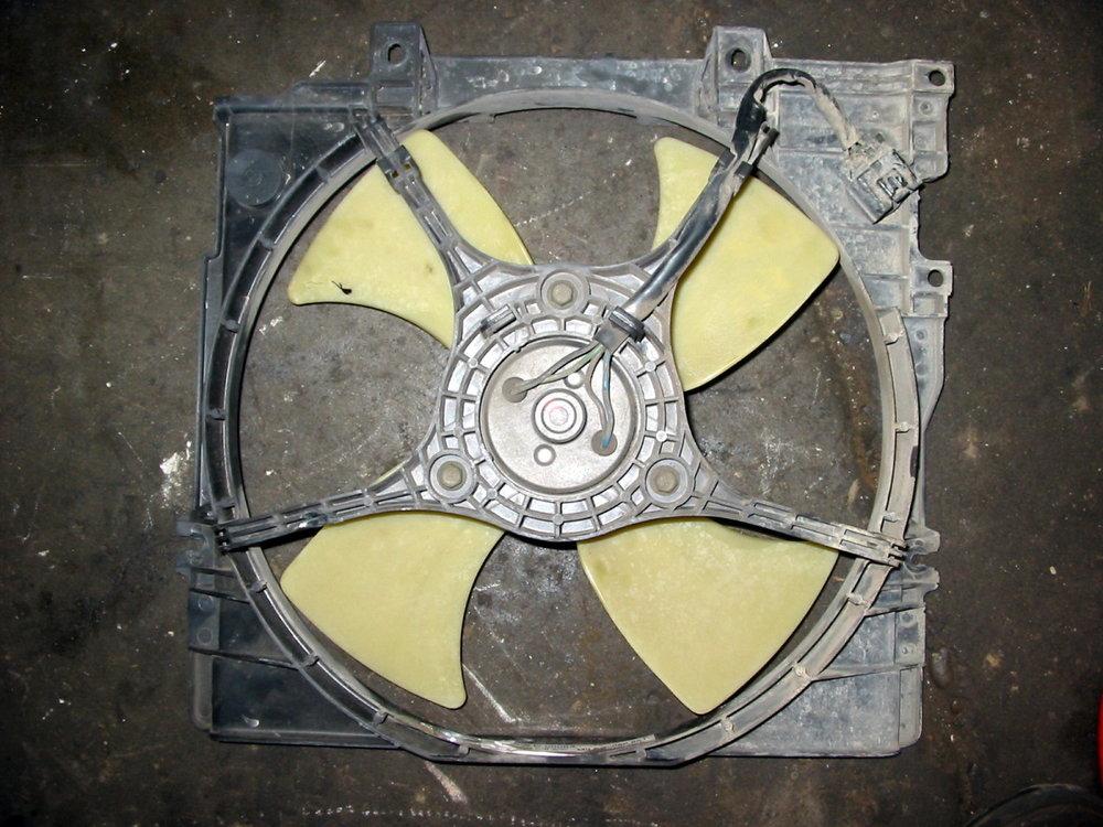 Fan, radiator (00-04 Legacy)